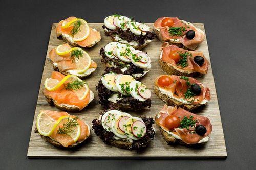 Crostini, 12 ks mix losos/prosciutto/vajíčko