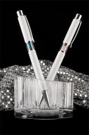 Guľôčkové pero, Crystals from SWAROVSKI®, biele, so zlatými krištáľmi v strede tela, 14cm