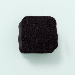 Naga stierka na tabule, čierna