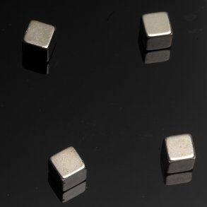 Naga super silné magnetky, stieborná kocka, 4 ks